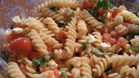 Insalata di pasta con rucola e pomodorini: il primo piatto fresco e veloce