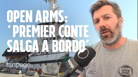 """Open Arms a Napoli, gli attivisti a Fanpage.it: """"Il premier Giuseppe Conte salga a bordo"""""""