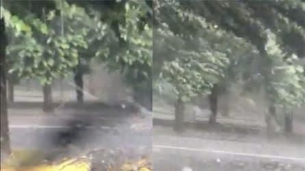 Umbria, il temporale con grandine in pieno giugno: la tempesta è fortissima