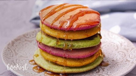 Rainbow pancakes: how to make them without food coloring!