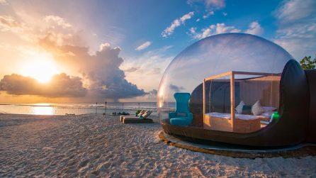 Beach Bubble, la bolla trasparente dove dormire in mezzo al mare alle Maldive
