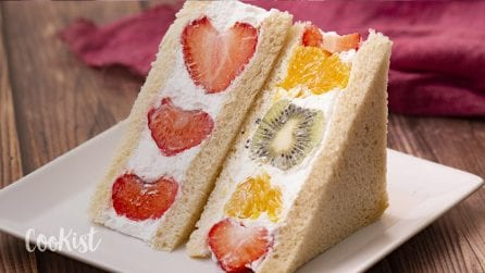 Fruit sandwiches: a refreshing treat that both grown-ups and kids will enjoy!