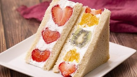 Tramezzino freddo alla frutta: un'idea alternativa per una merenda colorata e genuina!