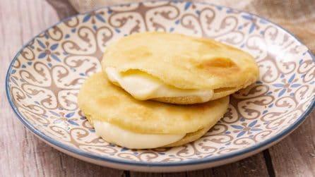 Tortine di farina di mais: piene di formaggio, soffici e gustose!