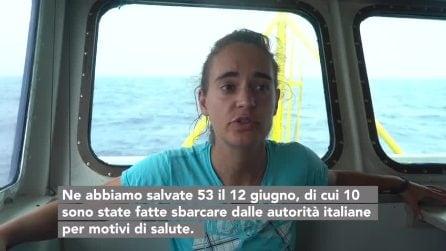 """Sea Watch 3, il capitano: """"A bordo casi di disidratazione, migranti devono scendere subito"""""""