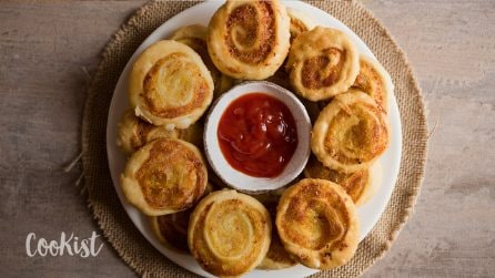 Samosa pinwheels: a delectable appetizer ready in no-time!