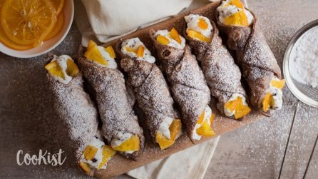 Sicilian cannoli with ricotta filling: you won't be able to resist!