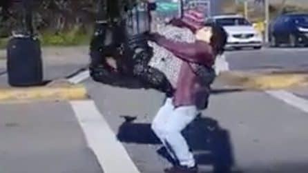 La coppa balla in strada: ma si nasconde un segreto