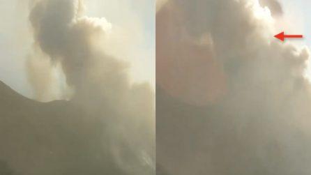 Stromboli, il momento dell'esplosione in time lapse: impressionante