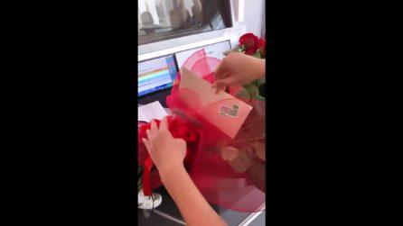 """Diletta Leotta e le rose rosse da un ammiratore misterioso: """"M.B."""""""