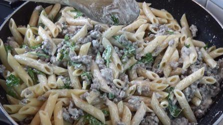 Pennette cremose con rucola e carne macinata: un primo piatto delizioso