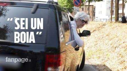 """Morgan lascia casa a Monza dopo attimi di tensione: """"Ho dato soldi a tutti, nessuno mi ha aiutato"""""""