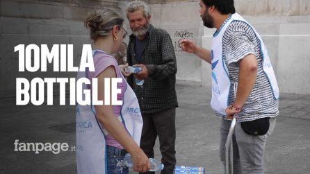 Caldo record a Milano: diecimila bottigliette d'acqua per i senzatetto della città