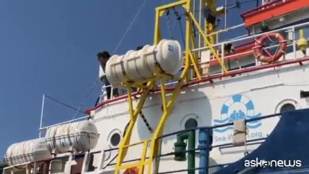 A bordo della Sea Watch, le immagini di askanews