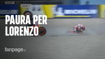MotoGP Assen, spaventoso incidente per Jorge Lorenzo che finisce in ospedale: come sta