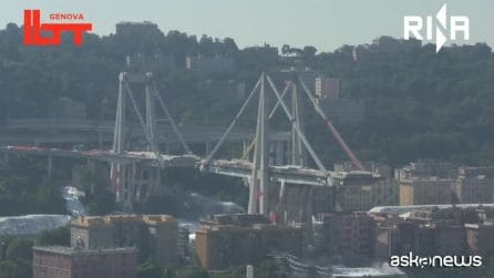 La demolizione di Ponte Morandi vista dal drone
