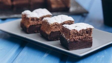 Torta magica al cioccolato: un solo impasto per tre strati diversi!