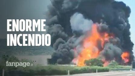 Brendola, incendio in una fabbrica di vernici: nube visibile in tutta la provincia di Vicenza
