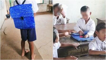 La sua famiglia è povera, lui va a scuola con uno zainetto speciale fatto a mano dal suo papà