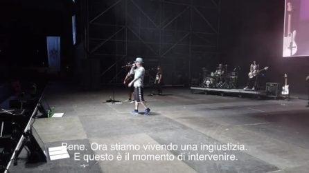 J Ax contro Salvini e dalla parte di Carola Rackete