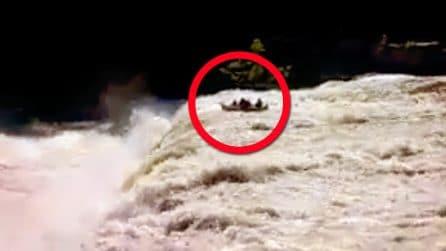 Sbagliano percorso durante il rafting: arrivano alla cascata e cadono giù