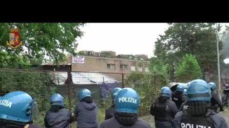 Sgombero Primavalle, il momento dell'ingresso della polizia nell'occupazione