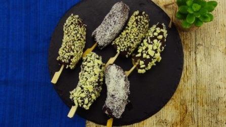 Banana lollipos: un dolcetto salutare e saporito su stecco!