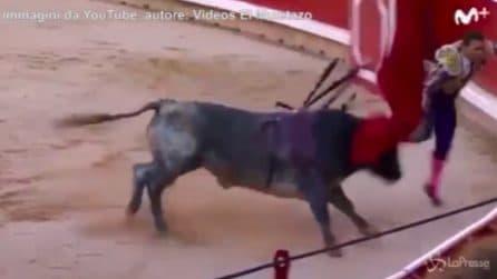 Pamplona, torero incornato durante la festa di San Firmino