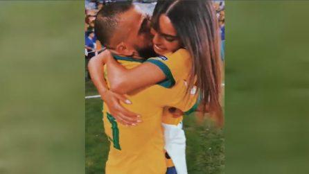 """""""Ho pianto con te per i momenti difficili, anche adesso sono qui"""". La commovente dedica a Dani Alves"""