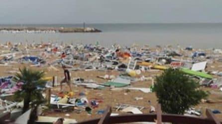 Maltempo, spiaggia di Numana completamente distrutta