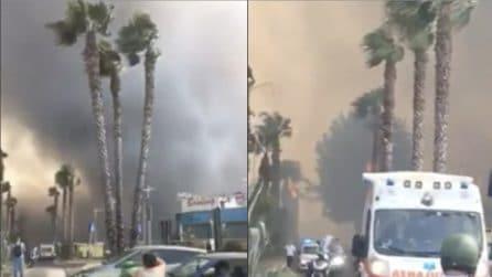 Catania, incendio in spiaggia: fiamme altissime e fumo visibile da chilometri