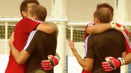 L'emozionante abbraccio tra Buffon e Chiellini dopo il ritorno di Gigi alla Juventus
