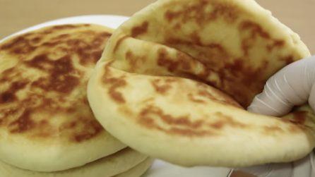 Pane Naan, la saporita e soffice ricetta indiana che vi conquisterà