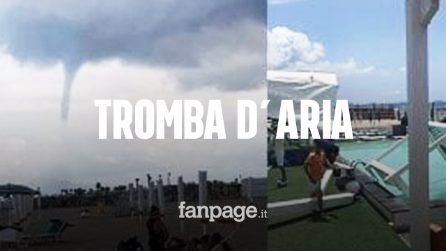 Tromba d'aria sui lidi in provincia di Napoli: tra i feriti anche una bambina, ecco le immagini