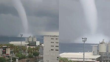 Bastia, il gigantesco tornado si avvicina pericolosamente alla costa