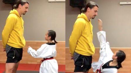 """Prova a """"colpire"""" Ibrahimović sul volto: il campione non si scompone"""