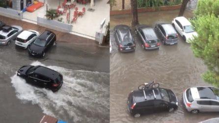 Maltempo, piogge e allagamenti in Emilia Romagna: strade come fiumi
