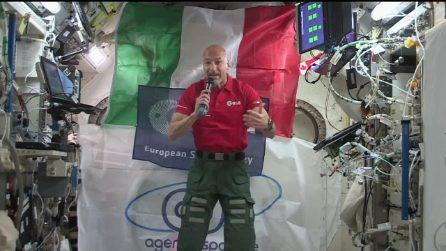 Parmitano parla in diretta dallo spazio su riscaldamento globale e Luna