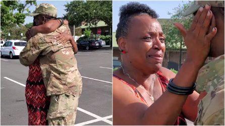 Il figlio soldato torna in anticipo dall'Afghanistan. La sorpresa alla madre è commovente