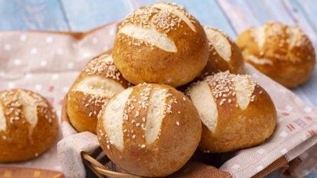 Panini laugenbrot: ecco come fare in casa dei panini soffici e saporiti!