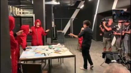 Simona Ventura presenta Speciale La casa di carta, il backstage del promo