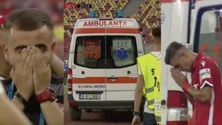 Dramma durante la partita, l'allenatore ha un infarto: calciatori sconvolti in campo