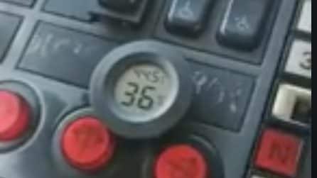 Napoli, negli autobus Eav si viaggia a 44 gradi: la denuncia del sindacato Orsa