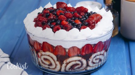 Summer trifle: it's simple, gorgeous and you can make it ahead of time!