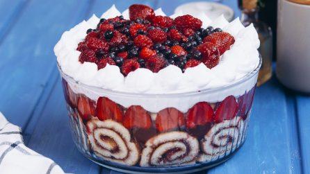 Trifle alla fragola: un dessert facile da preparare dal risultato strabiliante!