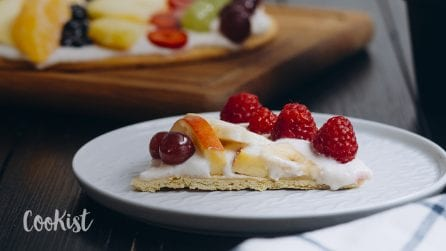 Fruit pizza: a simple, easy and tasty dessert!