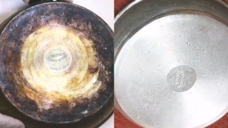 Come pulire il fondo bruciato delle padelle: torneranno come nuove