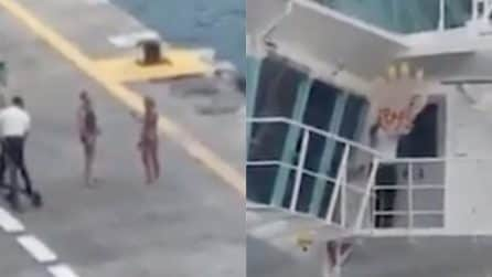 """Perdono la nave da crociera: il saluto """"sarcastico"""" da parte dell'equipaggio"""