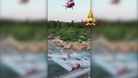 Ragazzo resta bloccato nel Piave: il salvataggio spettacolare dei vigili del fuoco