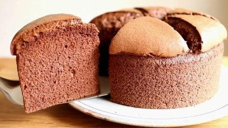 Chiffon cake al cioccolato: il dessert più soffice che abbiate mai assaggiato